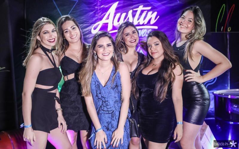Camila Sampaio, Carine Pinheiro, Barbara Couto, Carol Lemos, Mariana Santos e Larissa Teles