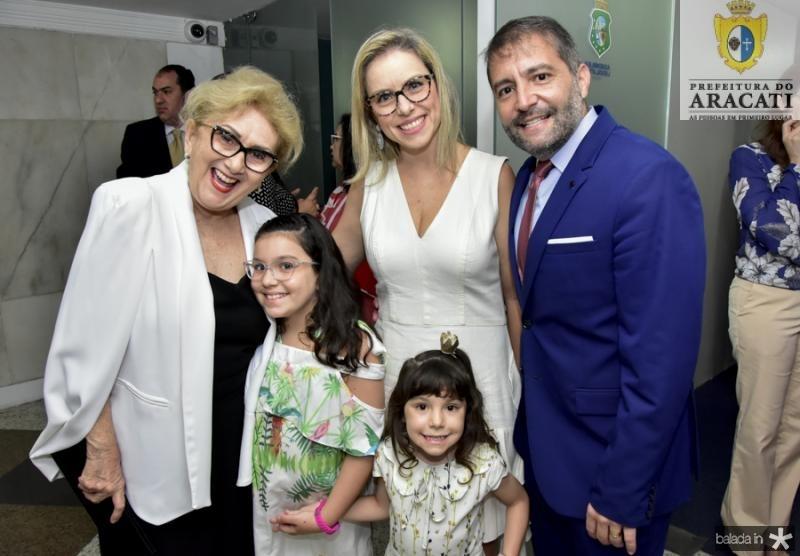 Socorro Franca, Sandra,Andre, Livia e Lara Campos