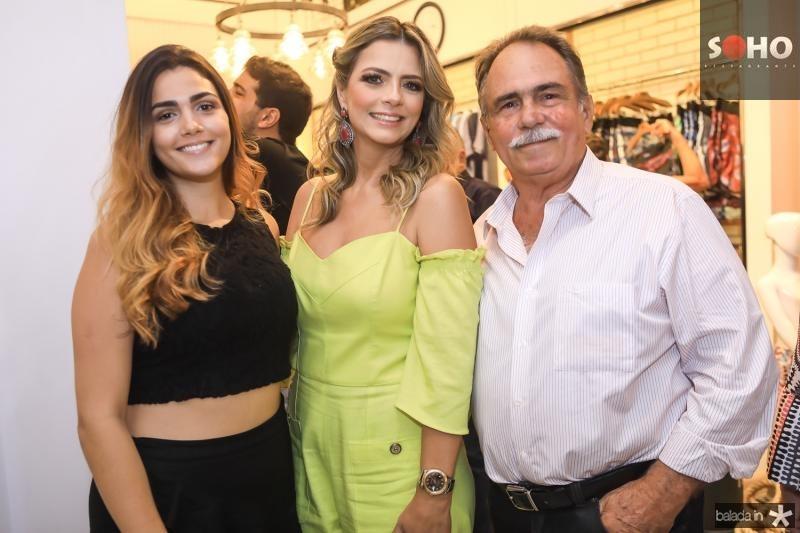 Mariana Studart, Thais Pinto e Carlos Studart