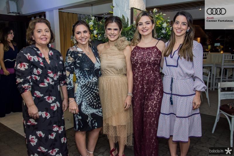 Germana Feitosa, Adriana Queiroz, Niedja Bezerra, Daniela Barreira e Ticiana Barreira
