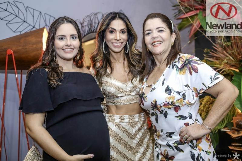 Gabriela, Synara e Carla Leal