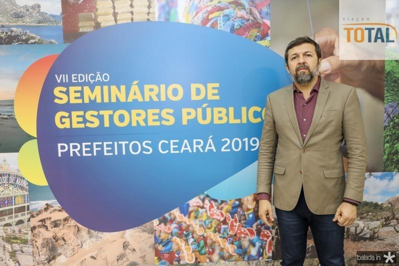 Elcio Batista