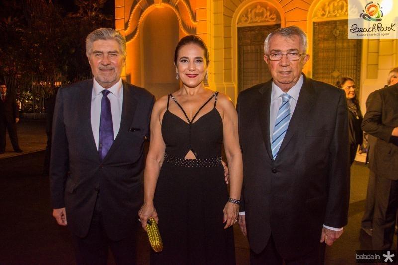 Amarilio, Patricia e Roberto Macedo