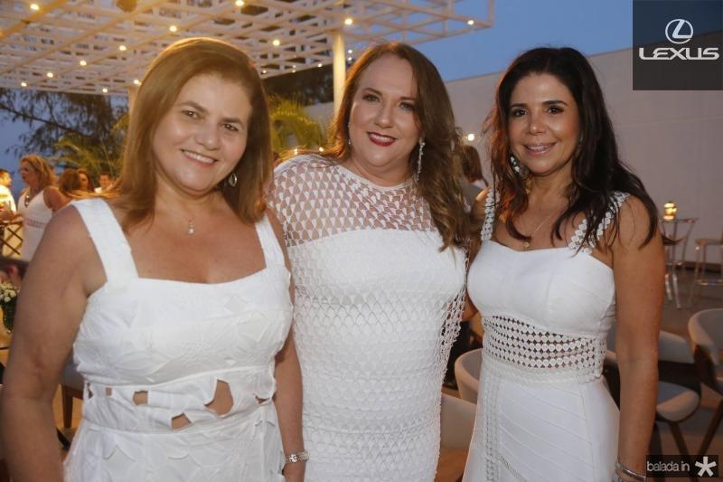 Islani Vercosa, Luiziane Fernandes e Maria Lucia Carapeba