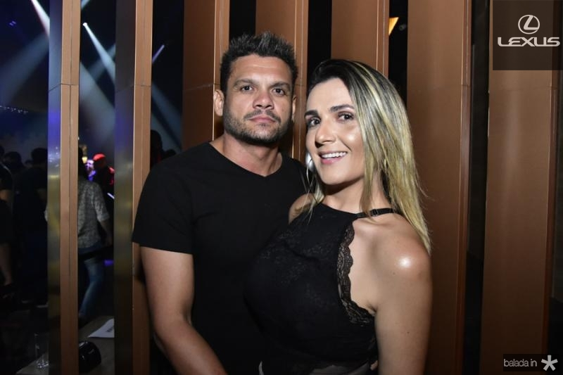 Davidson Lima e Mirela Barreto