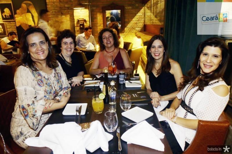 Ana Cecilia Castro, Giorgiana Loureiro, Daniele Ibiapina, Antoniana Vecina e Melissa Cysne