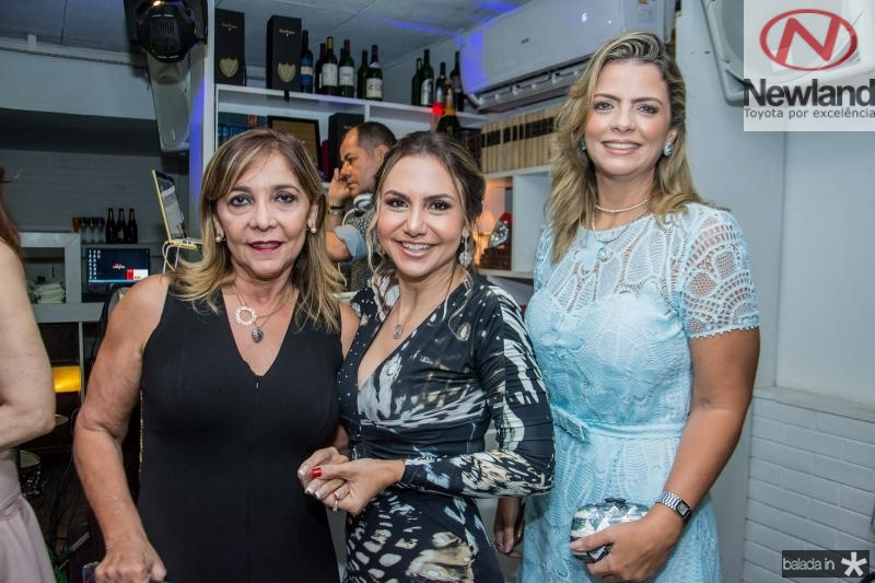 Ines Peixoto, Adriana Queiroz e Tais Pinto