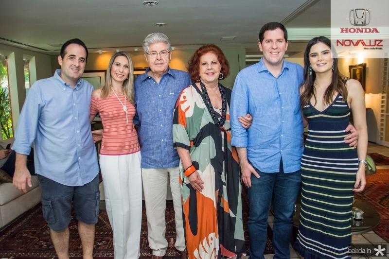 Leonardo Caneiro, Fabia Carneiro, Lucio Carneiro, Ana Virginia Carneiro, Rodrigo Carneiro e Camile Quintao