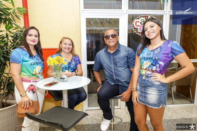 Aline Machado, Elenita Castro, Gerardo Inacio e Vitoria Castro