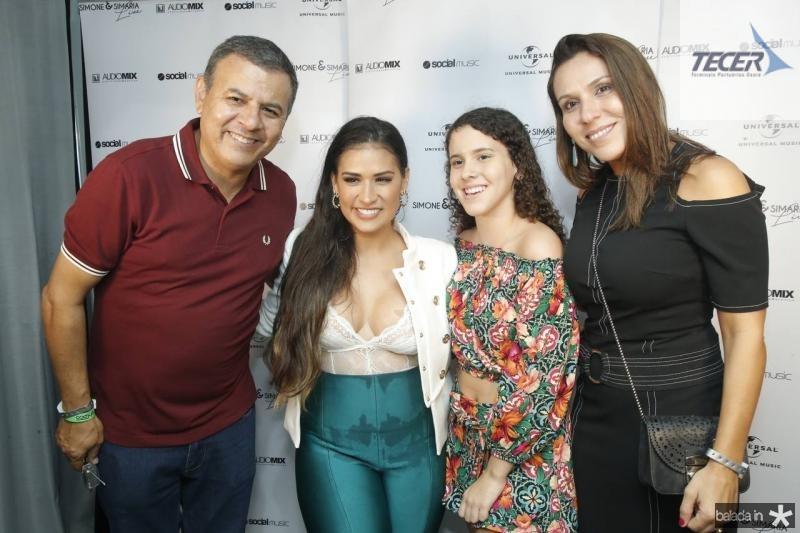 Valdir Fernandes, Simone, Samille e Samira Fernandes