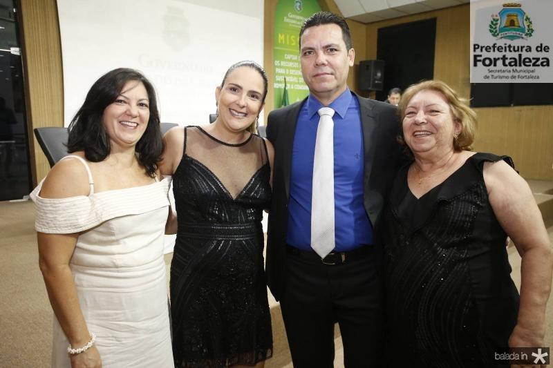 Sheila, Luciana, Alexandre e Neide Possidonio
