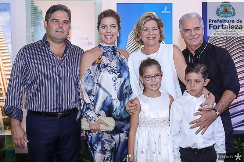 Edson Queiroz Neto, Ticiana, Estela, Beatriz, Marco e Pio Rolim
