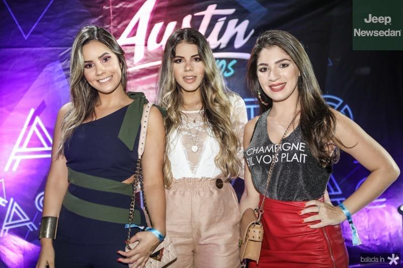 Rebeca Costa, Camila Lima e Camila Carvalho