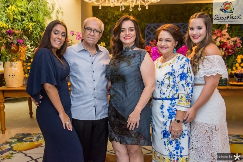 Ana Carolina, Weymar, Lia, Barbara e Ana Paula Freire