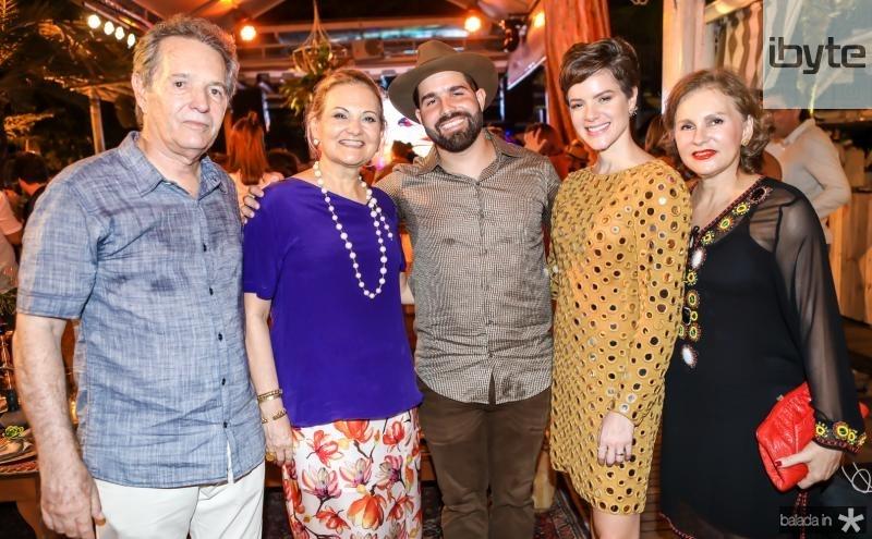 Claudio, Lenise, Felip e Paulinha Rocha, Renata Jereissati
