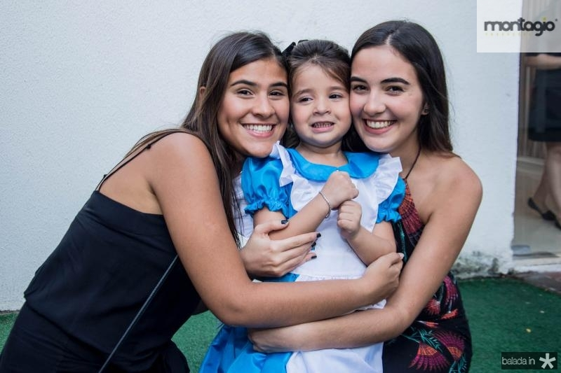 Luiza, Maria Rosa e Carolina Aguiar