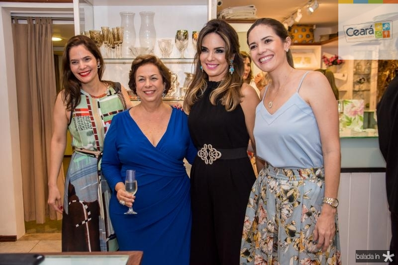 Cristiana Carneiro, Julia Gurjão, Eveline Fujita e Natalia Cals
