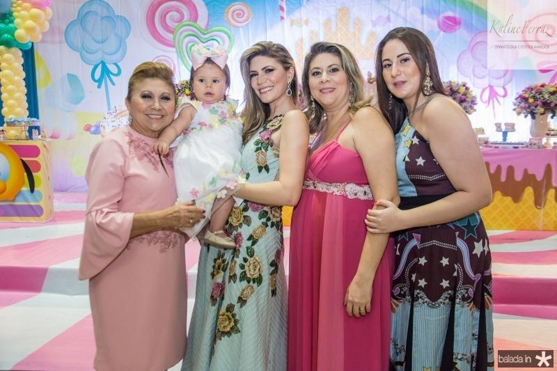 Marluce, Mirela, Elaine, Liana e Juliana Aragao