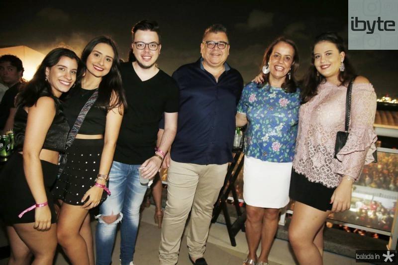Lara Machado, Natalia Ciarline, Guilherme, Marcos, Izabel e Beatriz Gomide