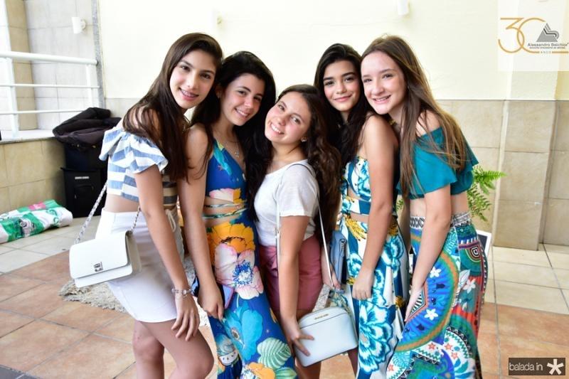 Maria Clara Valente, Valentina Marinho, Vinea Diorgenes, Gabriela Rattacas e Sofia Matos