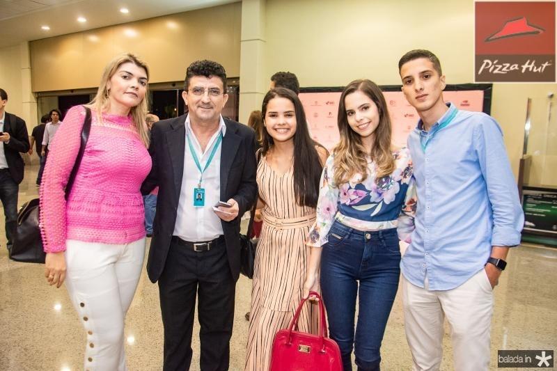 Elaine Mota, Ramiro Junior, Ana Clara Rocha, Camila Rocha e Davi Pinho