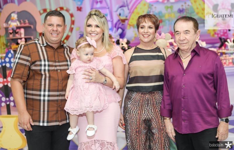 Gerardo, Julia e Marina Santos, Fatia Carneiro e Gerardo Santos