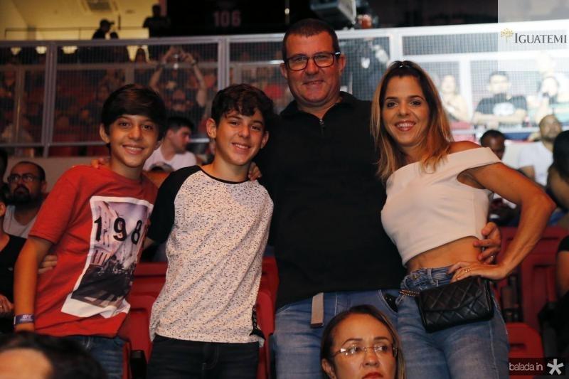 Filipe, Leo, Marco e Clice Rocha