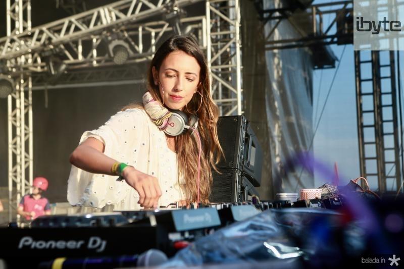 DJ Sarah Stenzel