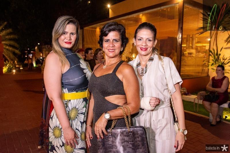 Aldenita Sampaio, Ana Maria e Camila Martis