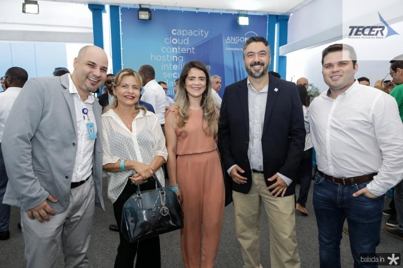 Rodrigo Carvalho, Angela Oliveira, Luciana Rocha, Carlos Correa e Marco Viana