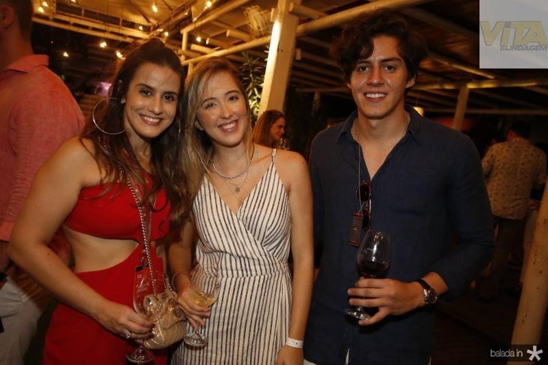 Vanessa Melo, Isadora e Hugo Fenelon