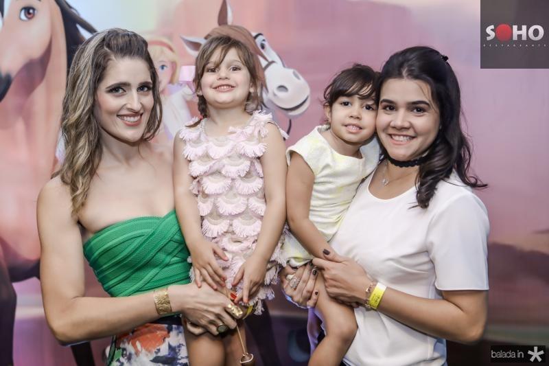 Rebeca, Athina, Sarah e Priscila Leal