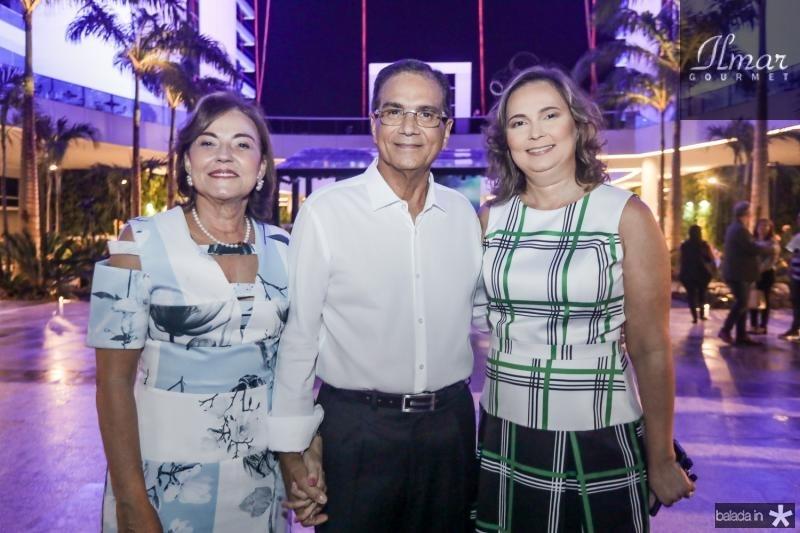 Ana e Beto Studart e Renata Santiago