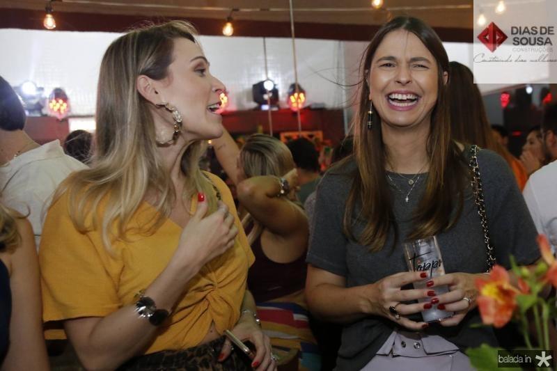 Carol Feijo e Kelly Coelho