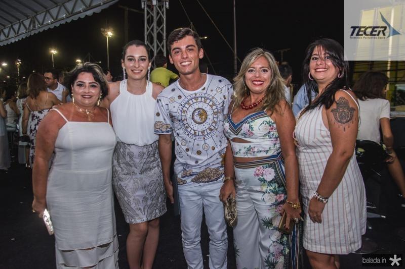 Katia Cunha Matos, Clara Teixeira, Gabriel Valadao, Carla Teixeira e Karen Teixeira