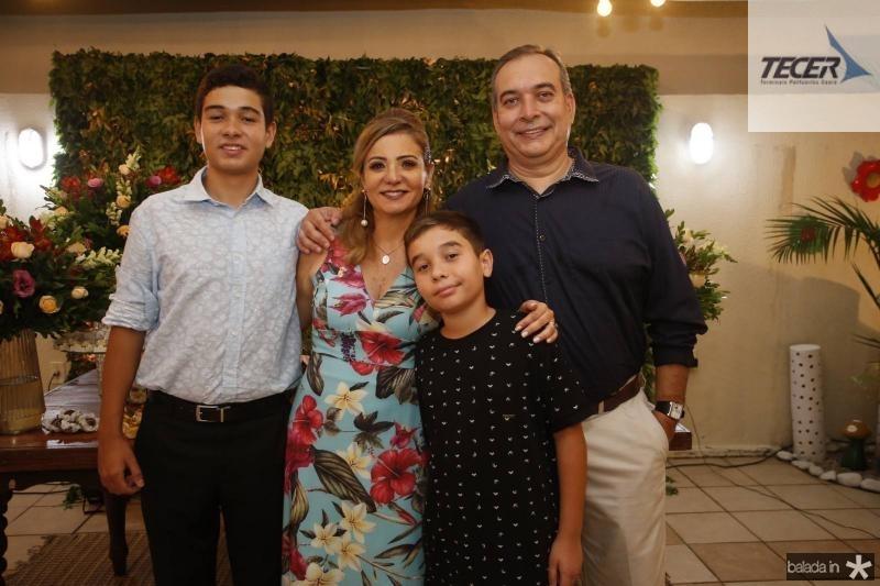 Lucas, Simone, Matheus e Madson Cardoso