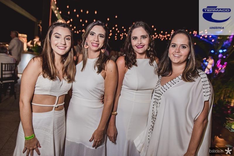 Larissa Felicio, Eliana Leal, Gabriela Leal e Carol Leal