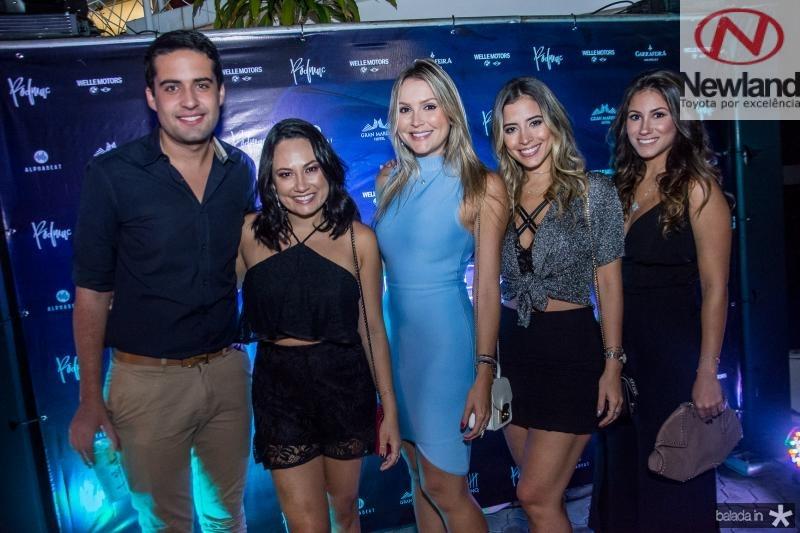 Victor Oliveira, Daniela de Paula, Raysa Barbosa, Mikaela Botura e Ana Carolina Bichucher