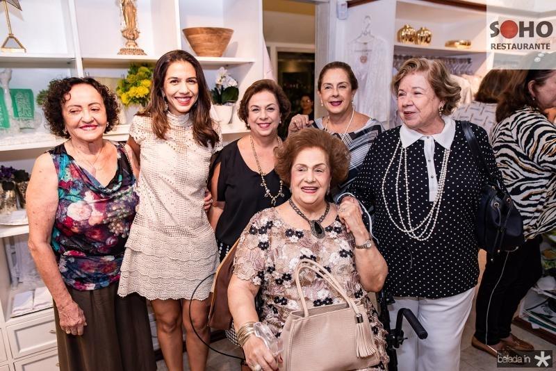 Vanda Oliveira, Beatriz Carvalho, Julia Philomeno, Beatriz Philomeno, Tida Leal e Glaucia Martins