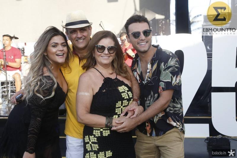 Carla, Andre e Islane Vercosa e Bruno Calaca