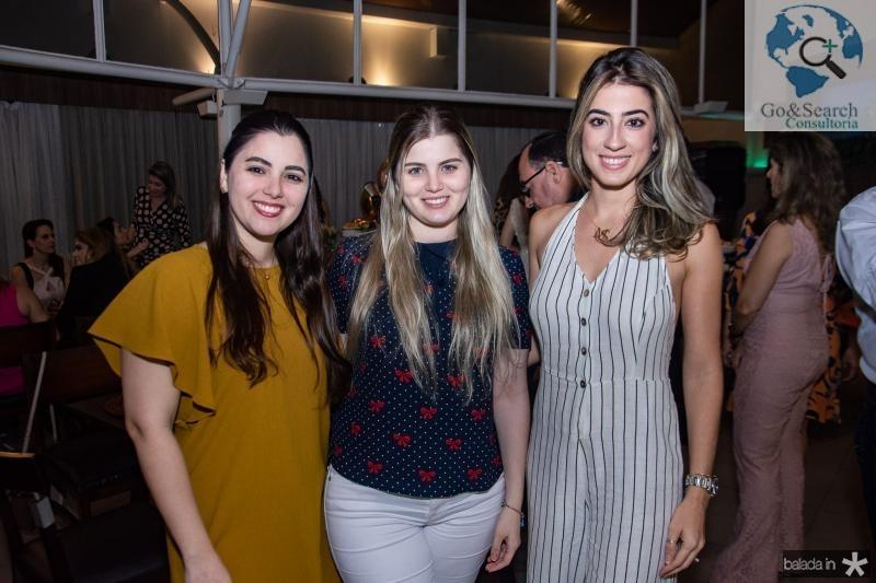 Carolina, Mariana e Manoela Linhares