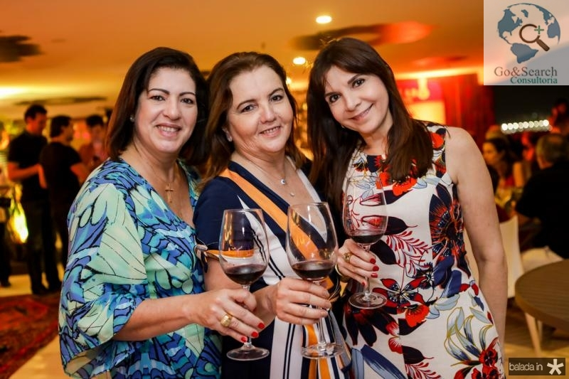 Claudia Oliveira, Lucia Pires e Isabelle Martins