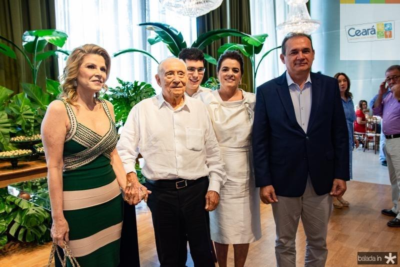 Ronsagela de Francesco, Adauto Bezerra, Arthur Bezerra, Silvana Bezerra e Washington Araujo