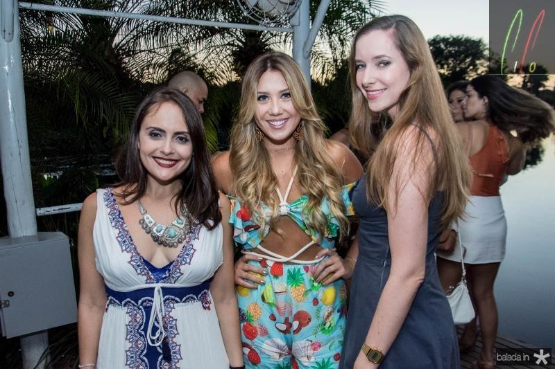 Paula Calhado, Priscila Cbo e Livia Effting