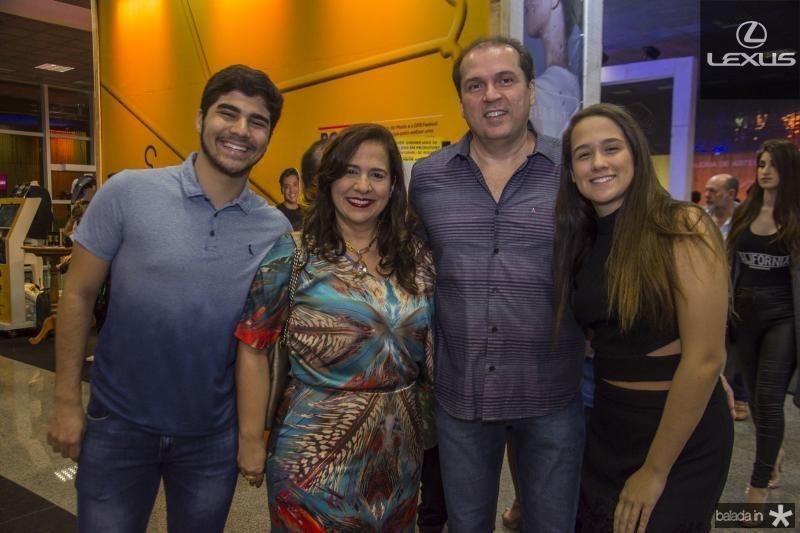 Thiago, Martinha, George e Paula Assuncao