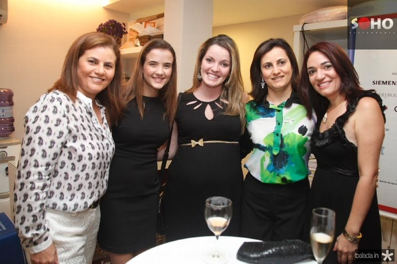 Islane e Paloma Verçosa, Natalia Diogo, Isnara Praxedes e Vanessa Gomes