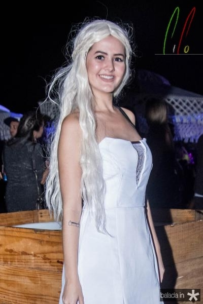 Lara Simoes