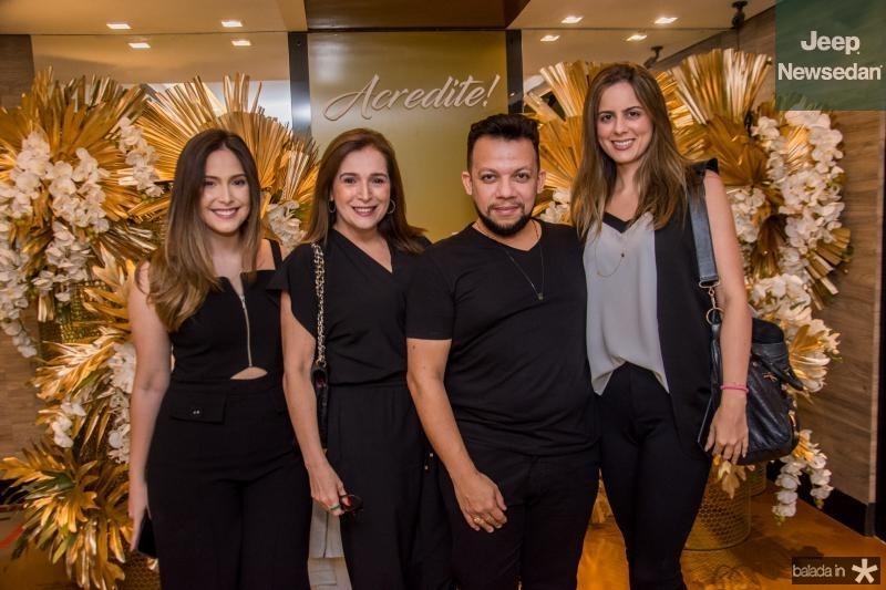 Marcela Teixeira, Adriana Teixeira, Roberto Alves e Bia Gradvohl