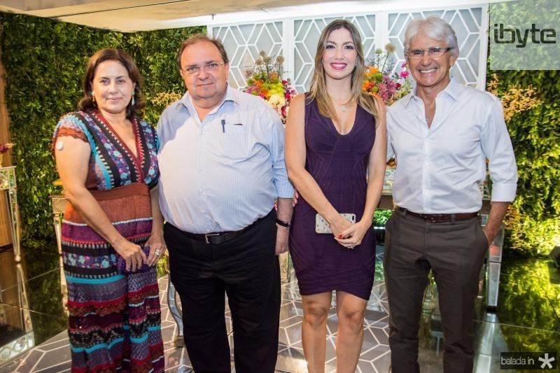 Priscila Macedo, Manoel Macedo, Candice Trajano e Tom Trajano