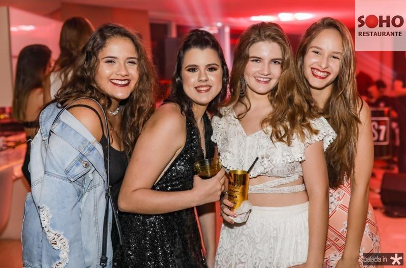 Tatiane Franco, Leticia Cidrao, Luiza Pinheiro e Giovana Mendes